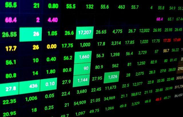 Trường hợp nào sẽ tạm dừng hoạt động giao dịch của Sở giao dịch chứng khoán Việt Nam?