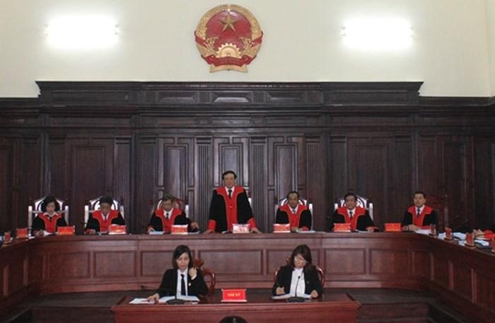 Tòa án đối chất giữa bị cáo với bị hại khi xét xử vụ án xâm hại tình dục người dưới 18 tuổi được không?
