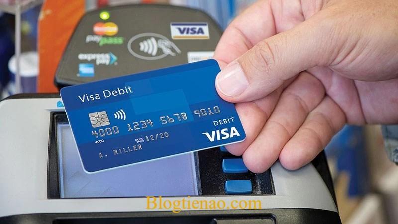 Có được cho người khác dùng tài khoản ngân hàng của mình không?