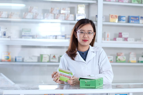 Nhân viên y tế trường học có được cấp CCHN y sỹ không?