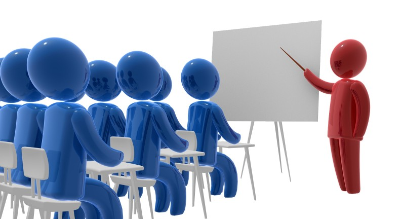 Các sở giáo dục và đào tạo có trách nhiệm ra sao đối với công tác Chữ thập đỏ trong trường học?