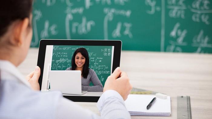 Bảo đảm và nâng cao chất lượng chương trình đào tạo chương trình đào tạo từ xa trình độ đại học