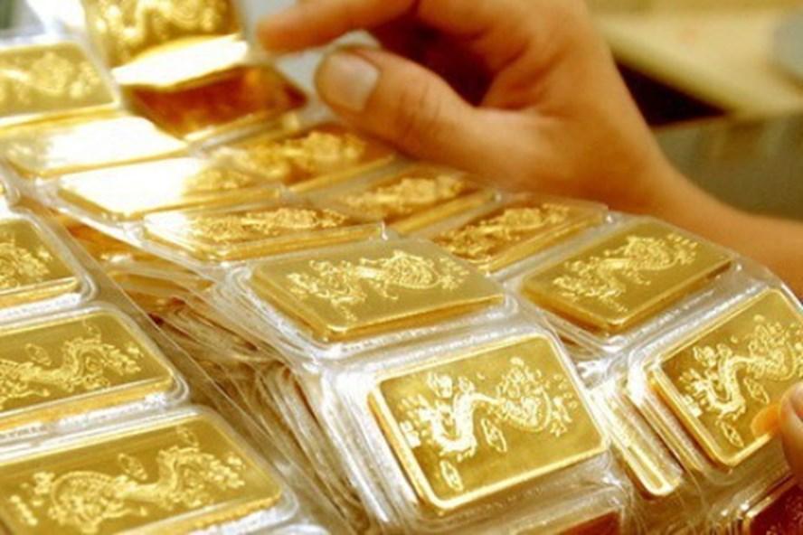 Khách hàng mua vàng trên 300 triệu đồng phải để lại thông tin gì?