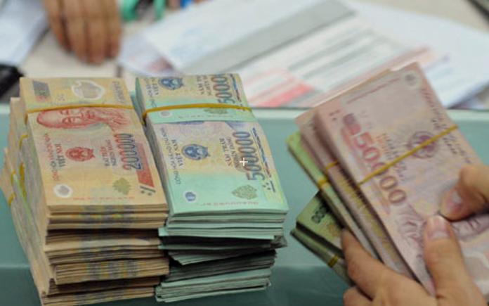 Mức phạt tiền đối với hành vi trả tiền vào tài khoản người nhận sau thời gian quy định