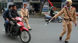 Bỏ chạy khi CSGT có tín hiệu dừng xe có truy cứu trách nhiệm hình sự?