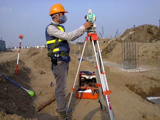 Quan trắc công trình, bộ phận công trình trong quá trình thi công xây dựng được quy định ra sao?