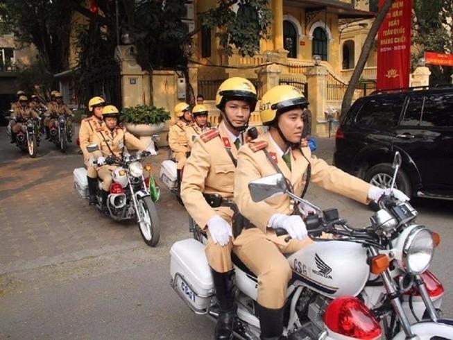 Người dân có được phép yêu cầu Cảnh sát giao thông xuất trình kế hoạch tổ chức tuần tra?