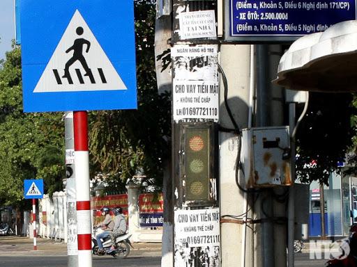 Dán quảng cáo trên cột điện phạt bao nhiêu tiền?
