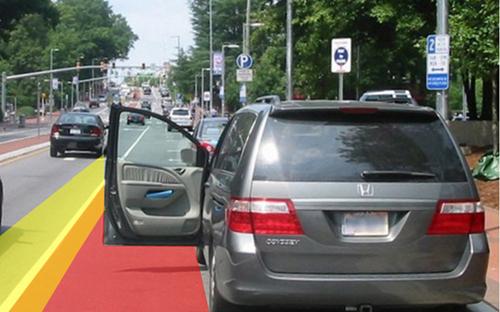 Mở cửa xe gây tai nạn thì bị xử lý như thế nào?