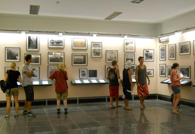 Thẩm quyền xác nhận điều kiện thành lập và hoạt động bảo tàng được quy định như thế nào?