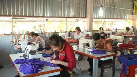 Thủ tục kiểm tra cơ sở gia công, sản xuất hàng hóa xuất khẩu; năng lực gia công, sản xuất được quy định thế nào?