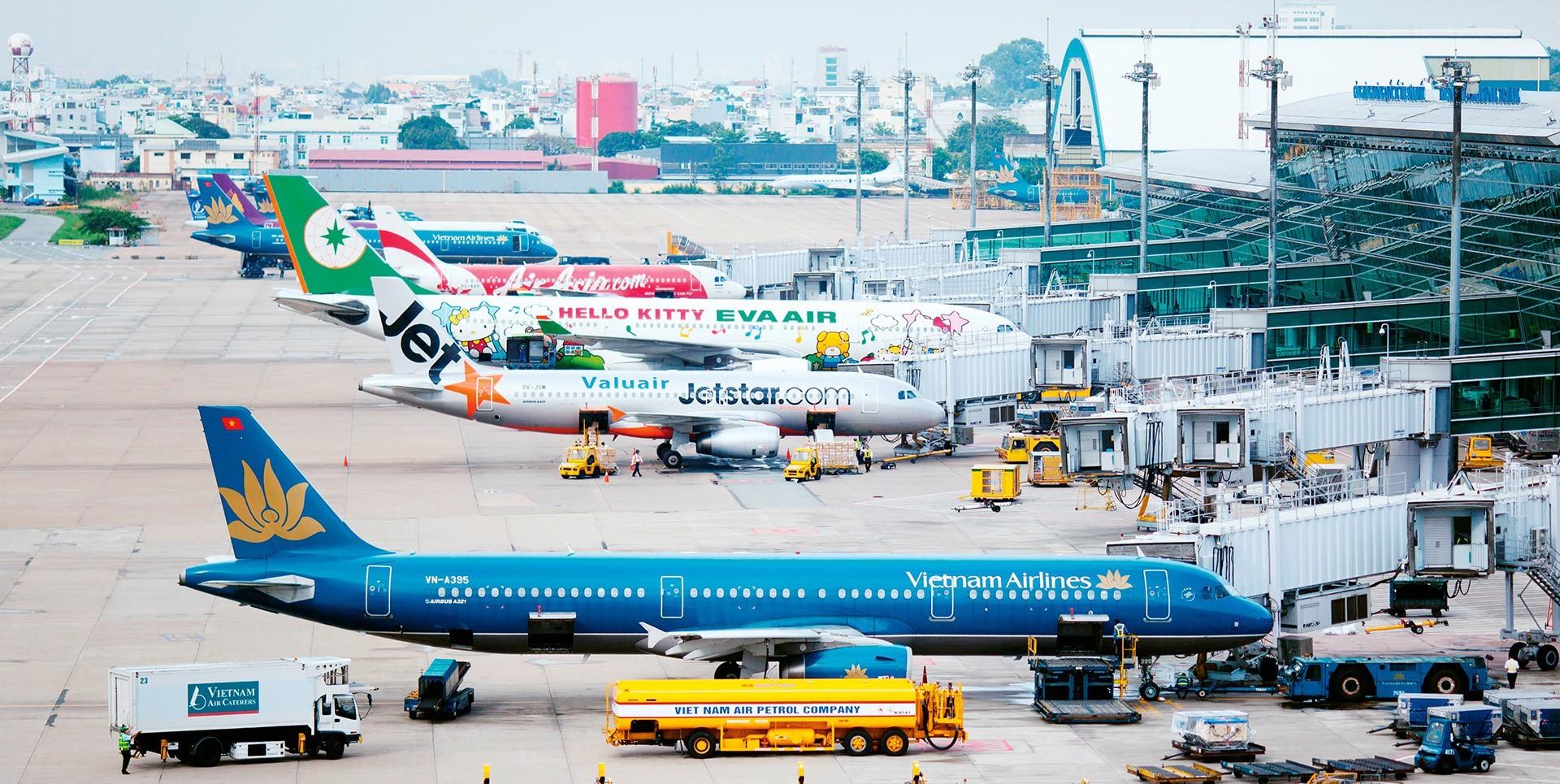 Giấy phép kinh doanh cảng hàng không được cấp lại trong trường hợp nào?