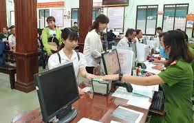 Lưu trữ dữ liệu vân tay của người đề nghị cấp hộ chiếu có gắn chíp điện tử, đăng ký xuất, nhập cảnh bằng cổng kiểm soát tự động