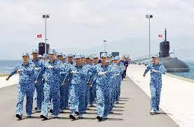 Cấm công chức, viên chức ngành hải quan mang tất màu đen khi làm nhiệm vụ