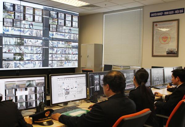 Thủ tục dừng đưa hàng qua khu vực giám sát hải quan được quy định như thế nào?