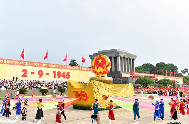 Trình tự tiến hành các hoạt động kỷ niệm những ngày lễ lớn của đất nước được quy định thế nào?