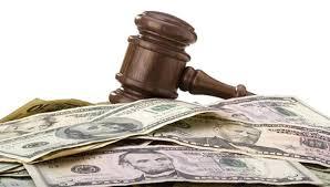 Chiếm đoạt tiền, hàng cứu trợ bị xử phạt như thế nào?