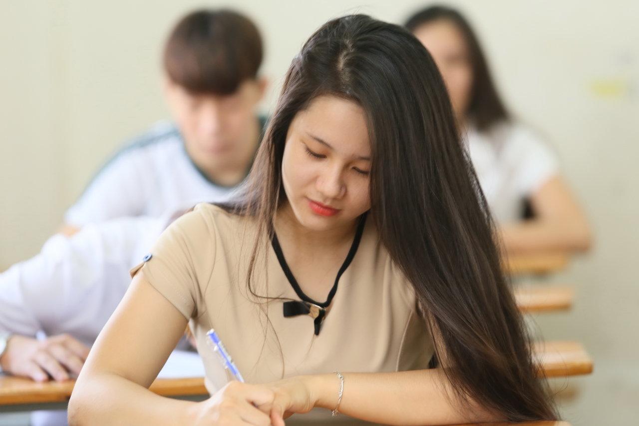 Môn thi, thời gian và hình thức thi đối với kỳ thi ngạch Kiểm toán viên chính