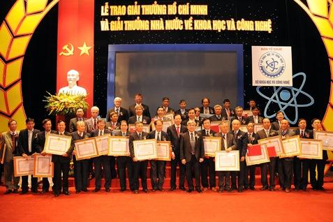 Trình tự thực hiện xét tặng Giải thưởng Hồ Chí Minh về khoa học và công nghệ cấp TW