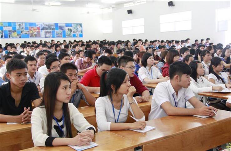Hình thức và thời điểm thực hiện công khai của cơ sở giáo dục được quy định như thế nào?