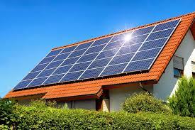 Giá mua bán điện mặt trời nối lưới được quy định ra sao?