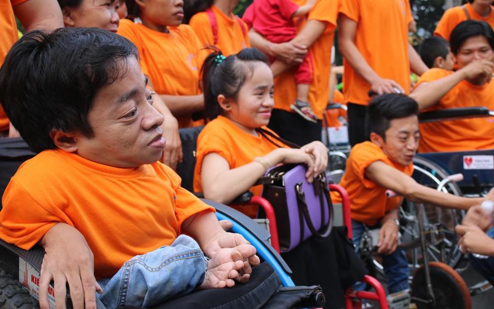 Chăm sóc người nhiễm chất độc màu da cam có được nhà nước hỗ trợ hàng tháng không?