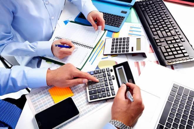 Xác định chi phí dự phòng trong trường hợp thời gian thực hiện gói thầu ngắn và không có rủi ro