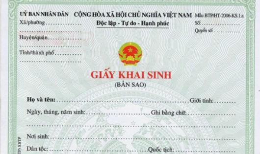 Tên trong giấy khai sinh gốc khác với giấy tờ tùy thân thì sửa đổi như thế nào?