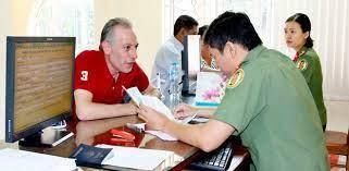 Nhập quốc tịch Việt Nam thì có phải thôi quốc tịch nước ngoài?