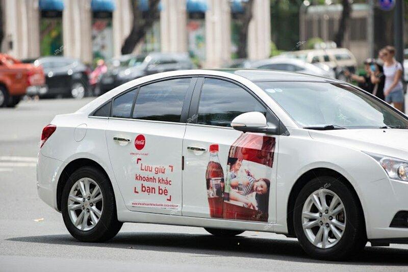 Quảng cáo trên xe ô tô có phải xin phép?