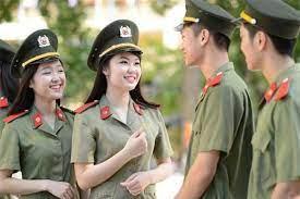 Hạ sĩ quan nghiệp vụ công an được đăng ký thường trú tại nơi đơn vị đóng quân khi đáp ứng điều kiện gì?