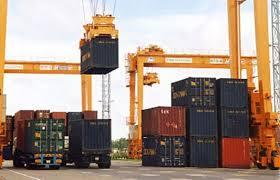 Việc tạm xuất, tái nhập hàng hóa để sản xuất, thi công, cho thuê, cho mượn của Thương nhân được quy định như thế nào?