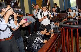 Ghi hình các đương sự trong phiên Tòa không xin phép có vi phạm không?