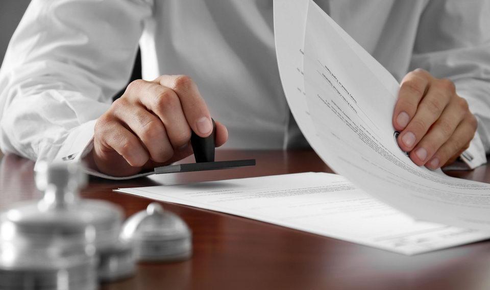 Cử nhân Luật mới ra trường có thể được bổ nhiệm công chứng viên?
