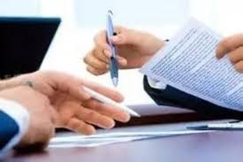 Việc xét duyệt cấp tín dụng và cơ cấu lại thời hạn trả nợ của tổ chức tín dụng, chi nhánh ngân hàng nước ngoài
