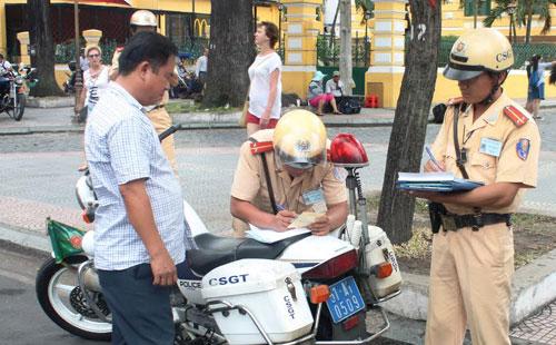 Không nộp phạt vi phạm giao thông đường bộ thì có sao không?