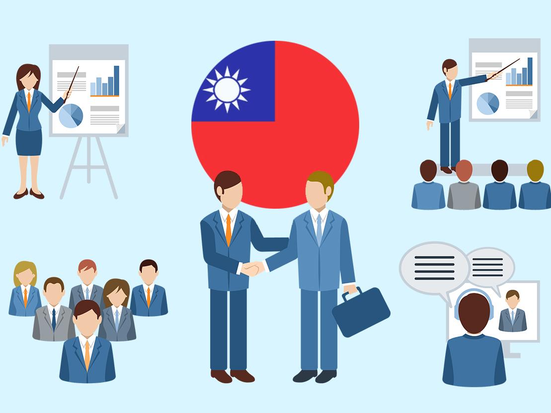 Nhà nước hỗ trợ phát triển thị trường lao động thông qua những hoạt động nào?