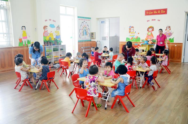 Hội đồng quản trị nhà trường, nhà trẻ tư thục được quy định như thế nào?