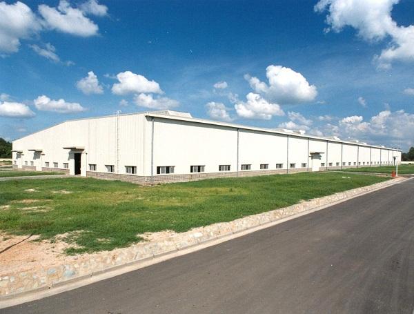 Nhà máy Sản xuất kim loại hiếm bằng phương pháp clo hóa phải cách công trình nhà ở người dân bao nhiêu m?