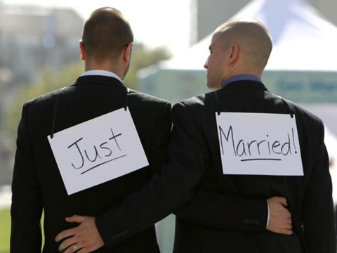 Nam kết hôn với nam, thế nào mới đúng luật?