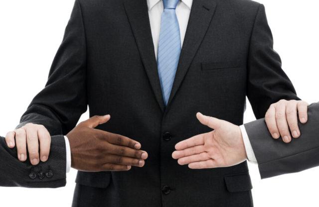 Đã thỏa thuận giải quyết tại trọng tài thì có cần làm đơn khởi kiện không?