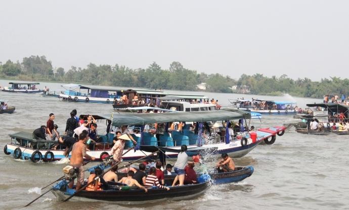 Hoạt động giao thông đường thủy nội địa bao gồm những hoạt động nào?