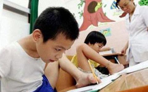 Xác định mức độ khuyết tật cho trẻ dưới 6 tuổi theo phương pháp nào?