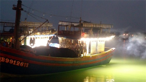 Đèn tín hiệu đánh bắt cá được quy định thế nào?