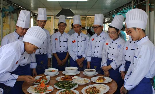 Quy trình xây dựng chương trình dạy nghề trình độ trung cấp, cao đẳng cho các nghề trọng điểm quốc gia