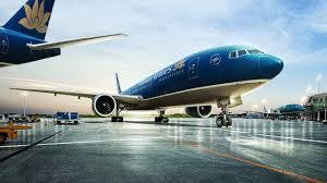 Cự ly điều hành bay qua vùng thông báo bay do Việt Nam quản lý được quy định thế nào?