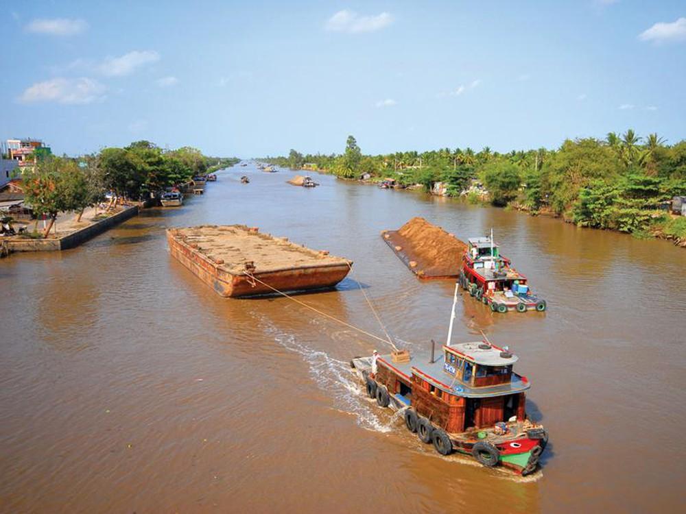 Công trình, bộ phận công trình đường thủy nội địa bắt buộc quan trắc