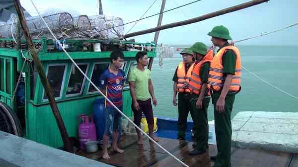 Đánh bắt trái phép 120 kg Cá Mõm tròn bị phạt bao nhiêu tiền?