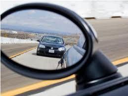 Lùi xe ô tô không quan sát sẽ bị xử phạt bao nhiêu?