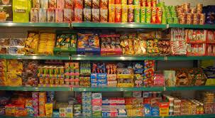 Thương nhân nước ngoài chưa được phép hoạt động thương mại có được trưng bày hàng hóa không?